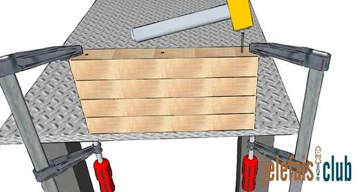 fixation-etage-clou-marteau