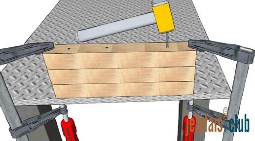 clou-marteau-fixation-etage