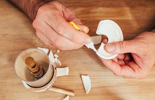 colle-super-glue-cyanoacrylate-ceramique