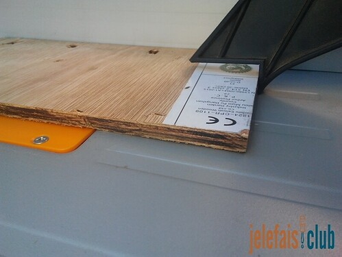 baton-poussoir-fine-piece-decoupe-scie-table