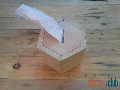 tirelire-porte-serviette-hexagonale