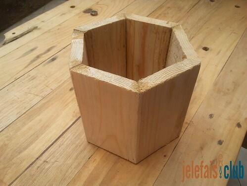 assemblage-face-tirelire-hexagonale