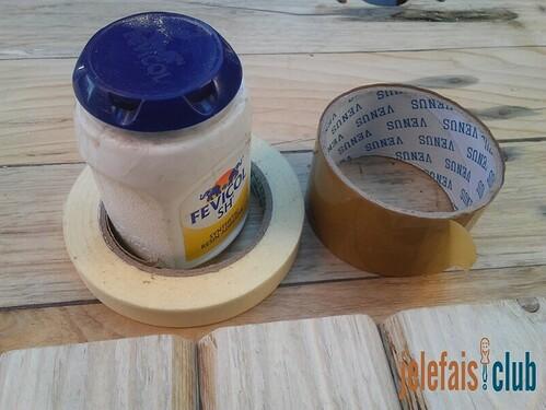 ruban-adhesif-colle-bois