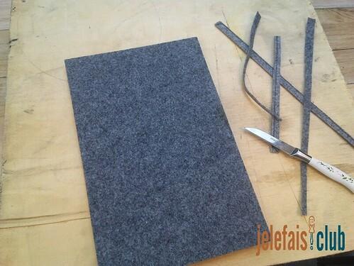 moquette-tapissage-support-bloc-notes-decoupes-couteau