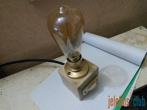 lampe-vintage-cube-palette