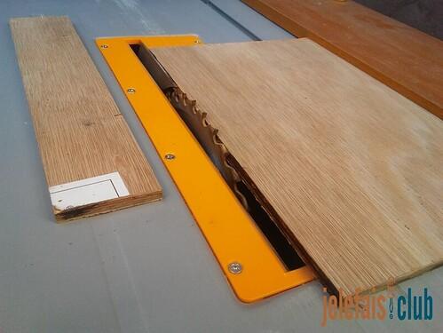 decoupe-longueur-contreplaque-scie-sur-table-guide-parallele-support-bloc-notes